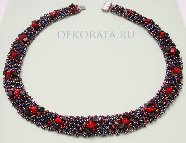 Ожерелья из бисера.